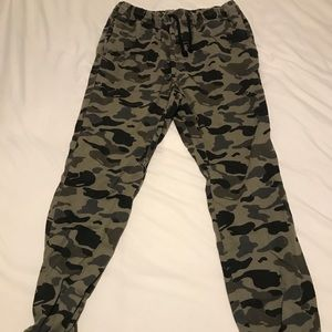 Men's H&M army joggers. Size 34